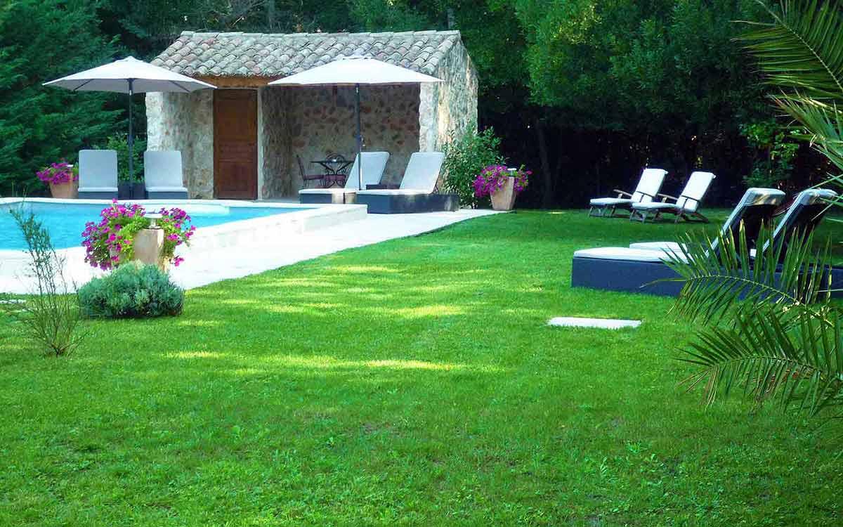Mas De L Ile Chambres D Hotes De Charme A Avignon Piscine Sur L